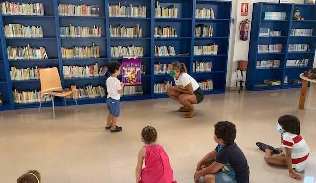 Teatro y Cuenta cuentos en la Villa de Los Barrios en Julio y Agosto.